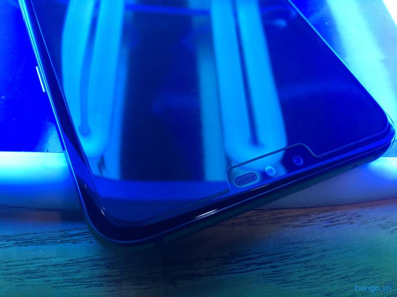 Dán màn hình cường lực LG V40/V40 ThinQ keo UV trong suốt