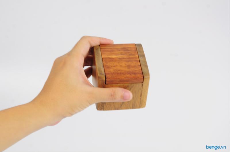 Hộp đựng ghim có nắp bằng gỗ